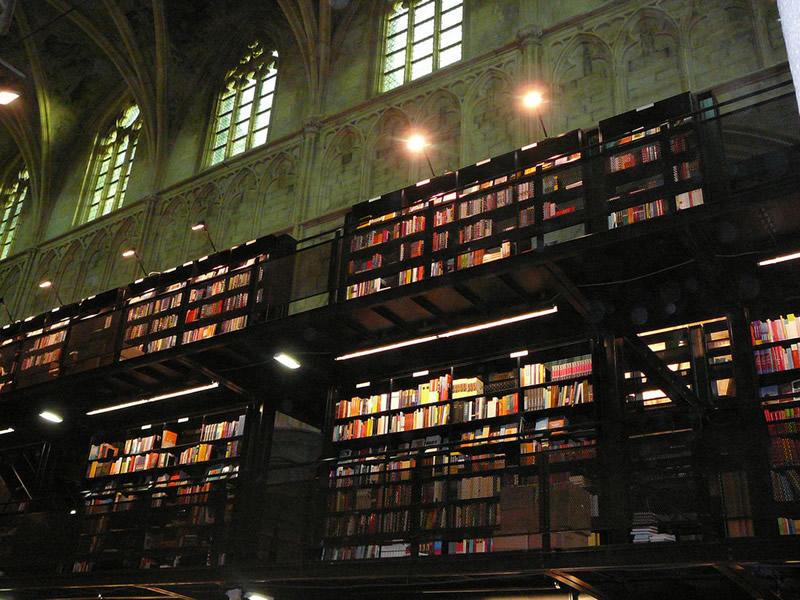 Boekhandel Dominicanen - Maastricht (Paesi Bassi) 02 - Lande Incantate