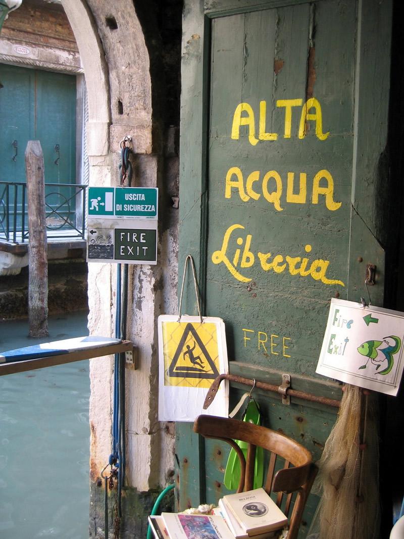 Libreria Acqua Alta - Venezia 02 - Lande Incantate