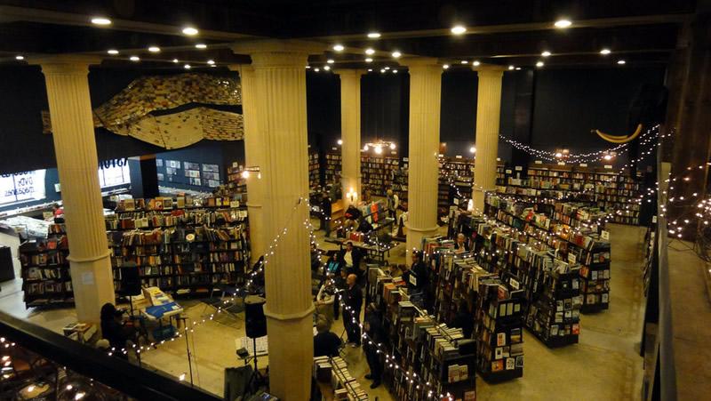 The Last Bookstore - Los Angeles 01 - Lande Incantate