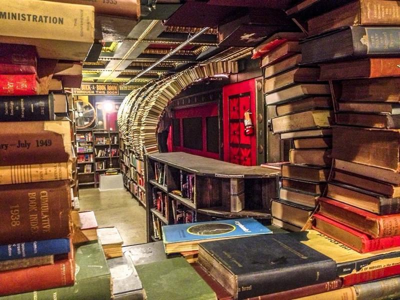 The Last Bookstore - Los Angeles 02 - Lande Incantate